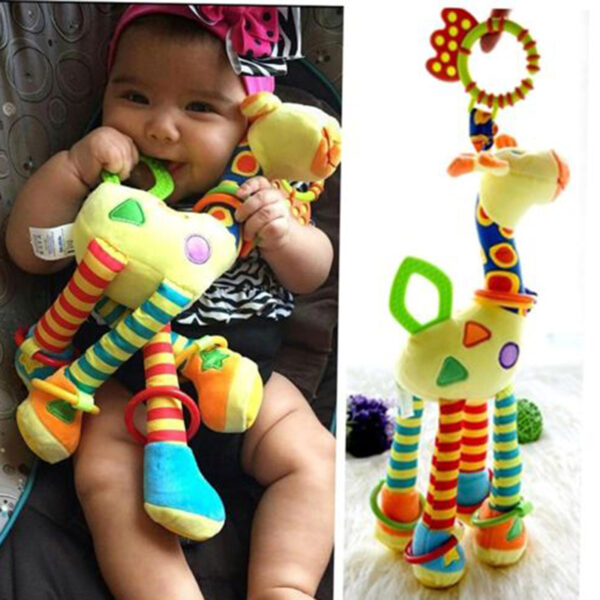 Peluche éveil bébé en forme de girafe avec anneaux de dentition