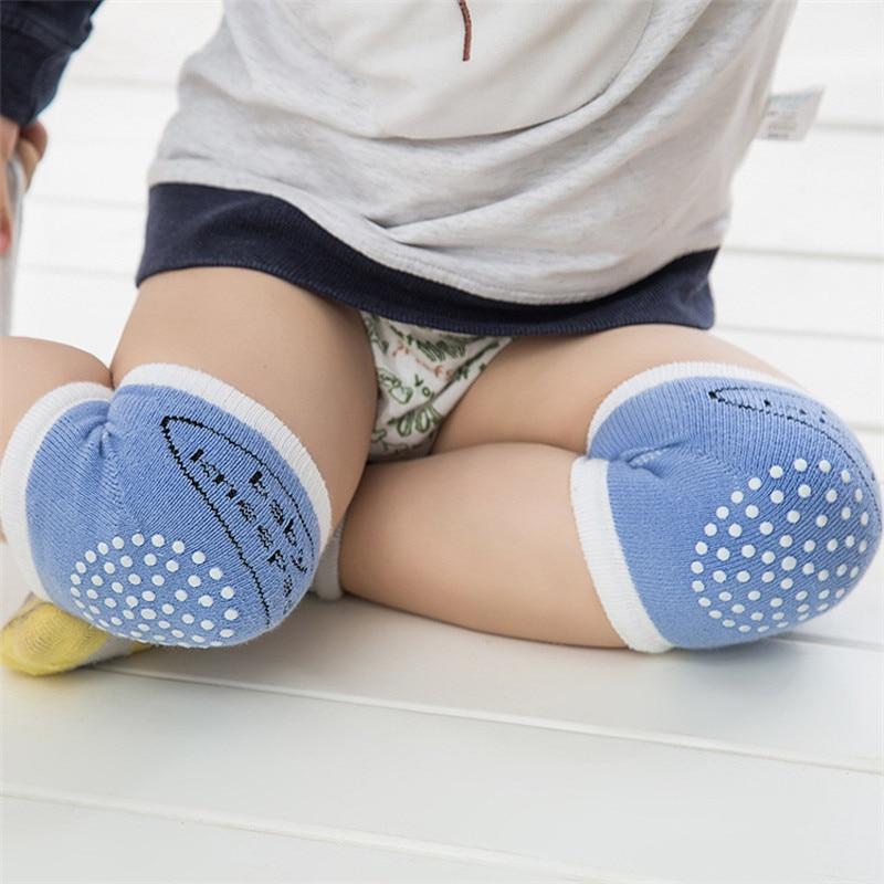 Genouillère bébé pour protéger ses genoux quand il marche à 4 pattes