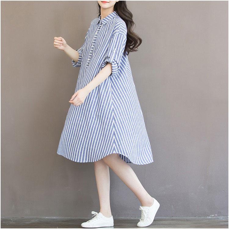 Robe bleue printemps, été, automne pour la femme enceinte - Vue de profil