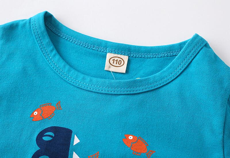 Col du t-shirt crocodile pour enfant