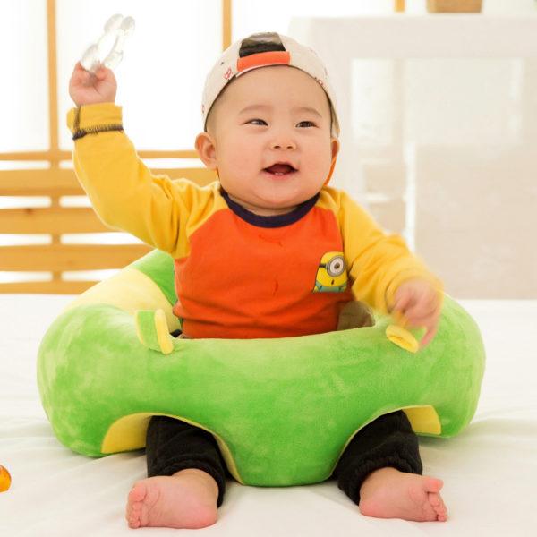 Siège bébé ergonomique pour maintenir le dos droit