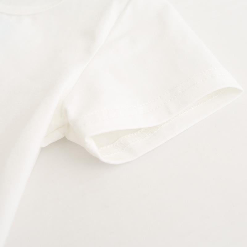 Manche courte de la robe