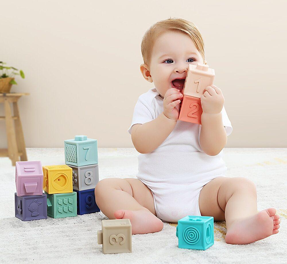 Cubes, jeu de construction pour bébé