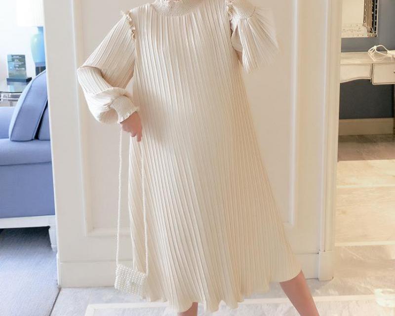 Robe couleur beige maternité souple